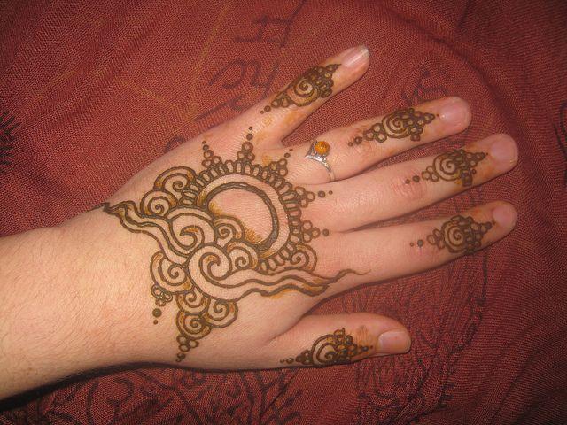 application for mehndi in school